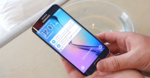 without-waterproof-but-samsung-galaxy-s6-edge-can-stay-in-water-more-than-20-mins-00-img-top