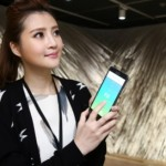 art-of-feeling-app-with-model-01-img-top