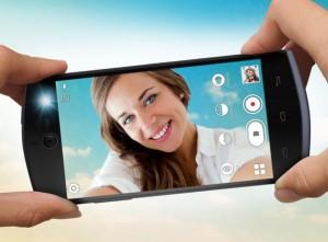 blu-selfie-01-img-top