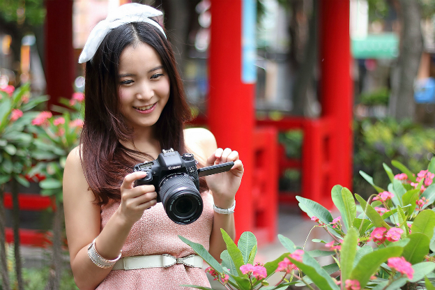 canon-eos-760d-eos-750d-with-model-img-top