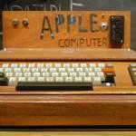 apple-i-computer-on-display-at-the-smithsonian-281712899-ed-uthman-img-top