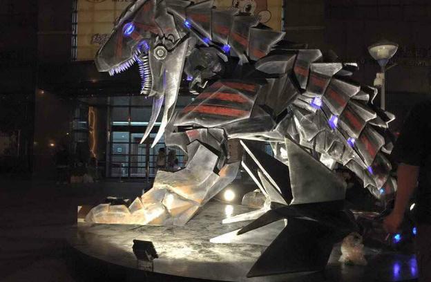 oxon-game-studio-the-world-ii-boss-machine-dinosaur-model-at-taipei-02-img-top