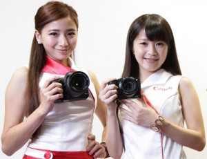 canon-eos-7d-mark-ii-and-canon-g3x-with-model-01-img-top