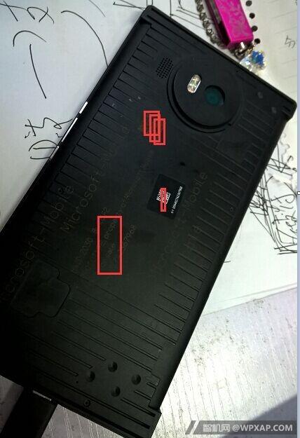 leaked-microsoft-lumia-950-xl-prototype-01-20150805