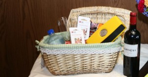 lg-pocket-photo-paper-and-lg-music-flow-p7-yelow-in-picnic-basket-part-1-img-top
