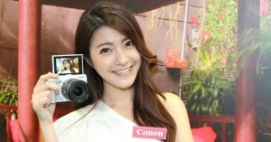 canon-eos-m3-with-model-01-img-top