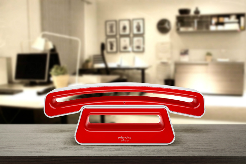 swissvoice-epure-v2-full-eco-cordless-single-dect-telephone-red-lifestyle-01