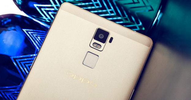 oppo-r7-plus-lifestyle-rotate-01-img-top