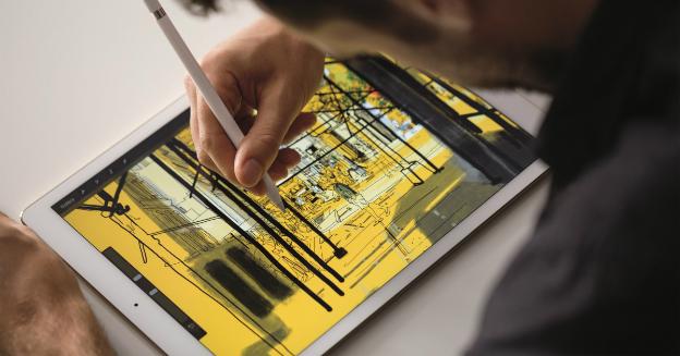 ipadpro-pencil-lifestyle1-print-part-img-top
