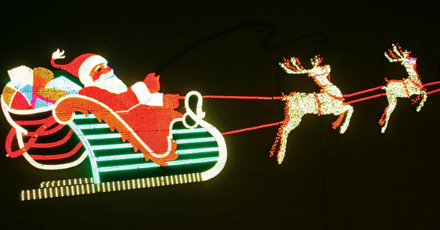 christmas-light-1-embassy-theatre-and-indiana-hotel-part-img-top