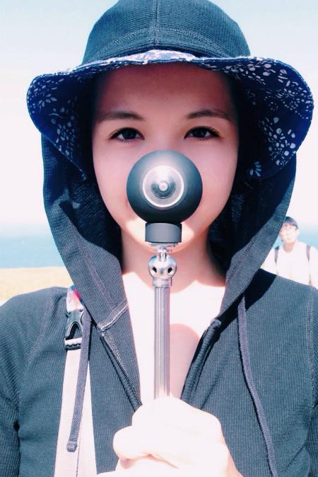 luna-360-degree-camera-magnetic-taken-everytime