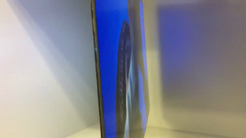 20160107-lg-put-a-tv-on-the-back-of-its-tv-the-verge