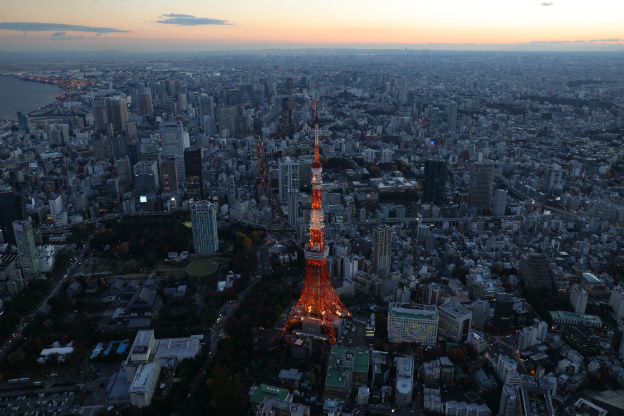 canon-samples-eos5ds-image-2-the-tokyo-sky-part-img-top