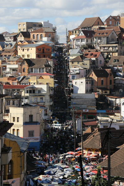 canon-samples-eos6d-image-3-antananarivo-part