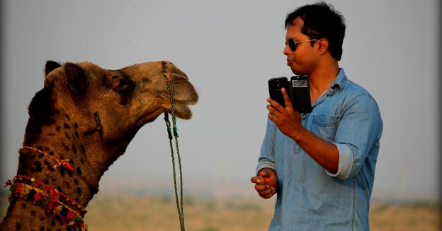 trying-a-camel-selfie-15643285838-abhishek-saha-part-img-top