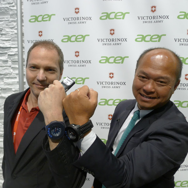 acer-victorinox-cyber-tool-accessory-inoxwatches-mwc-2016-p1050570-bnext