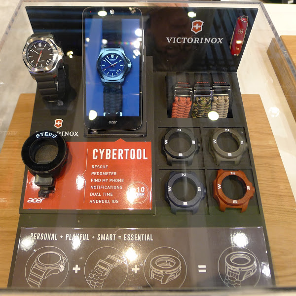 acer-victorinox-cyber-tool-accessory-inoxwatches-mwc-2016-p1050589-bnext