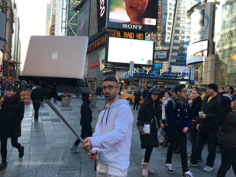 macbook-selfie-stick-10-part
