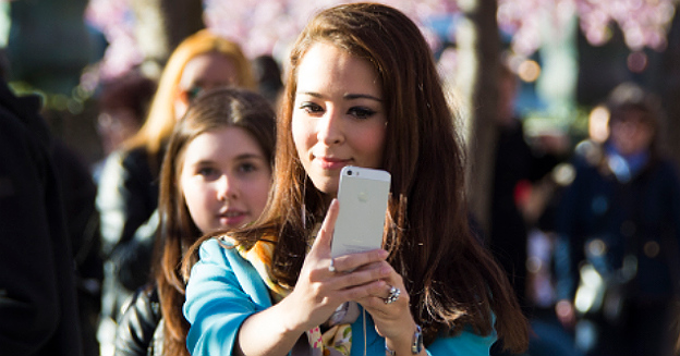 selfie-cherry-blossom-14000100118-patrik-nygren-part1-imgtop