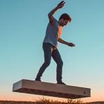 真正的漂浮!ArcaBoard 懸浮滑板,不靠磁力隨時都能用