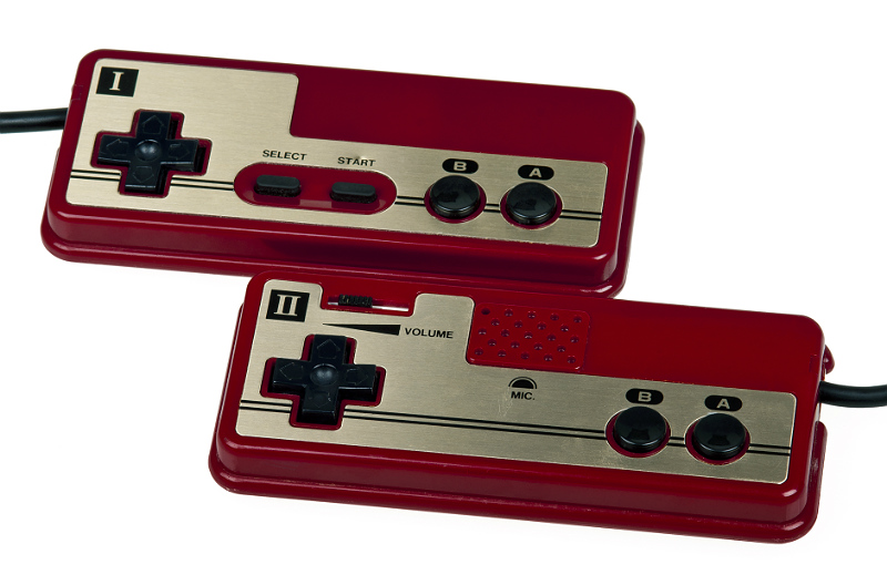 famicom-controllers-evan-amos-part