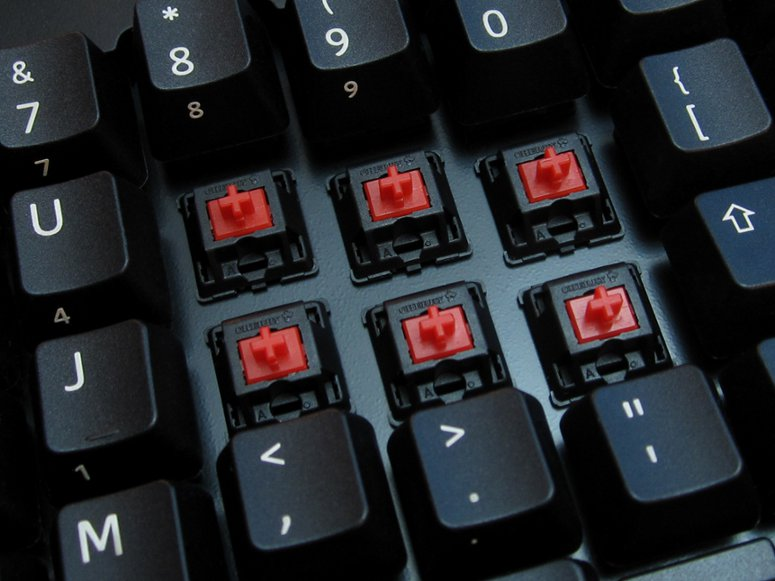 truly_ergonomic_computer_keyboard_209_red_switch_large_6
